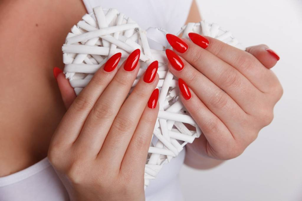 Long pointed nails