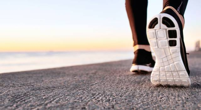 Fast walking: how to do it correctly