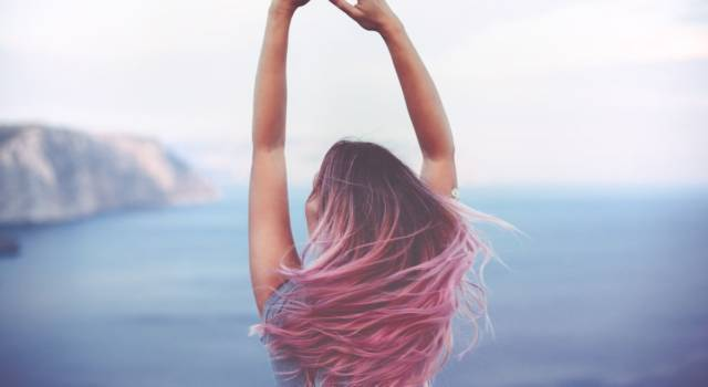 Pink streaks: who they are good for and how to get them
