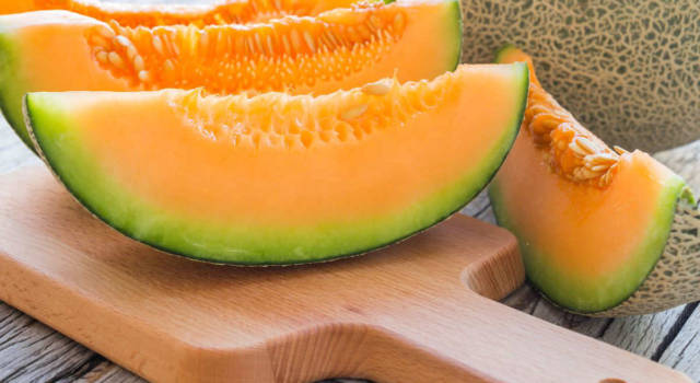 Melon diet: lose weight and fight retention