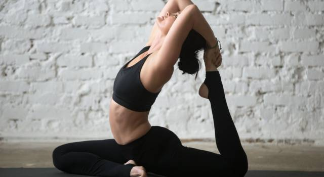 Hot yoga: how to practice and what are the benefits