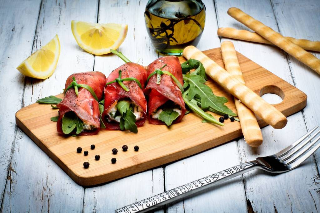 Rolls with bresaola