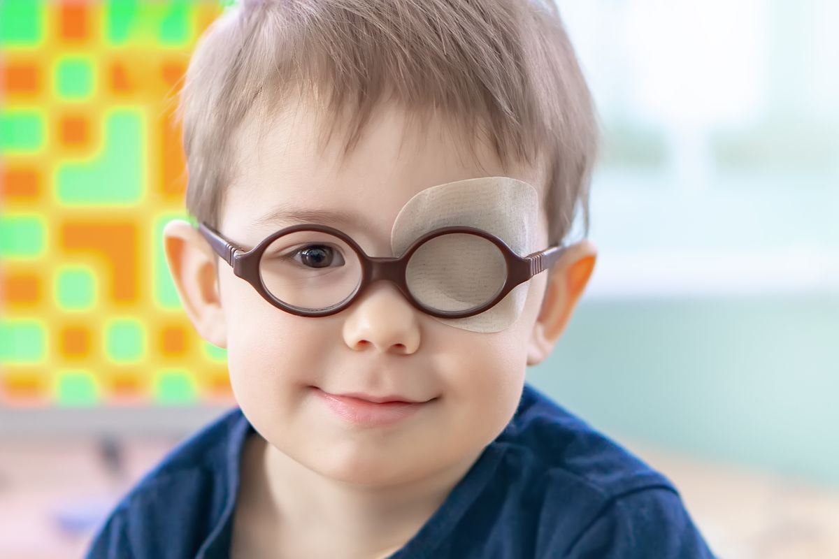 child with poor eyesight