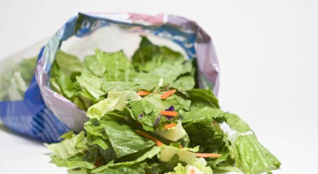 Salad in a bag: what risks does it hide?