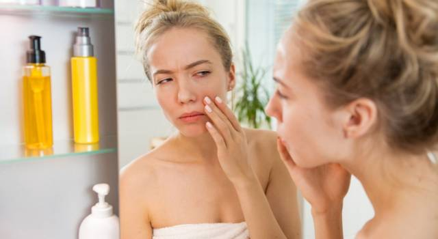 SOS pimples under the skin: the possible causes and remedies to eliminate them