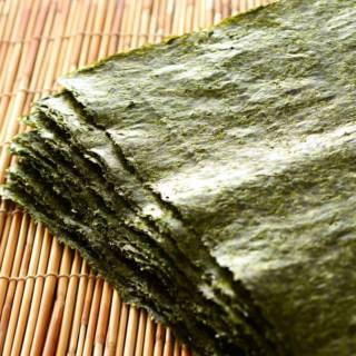 Nori seaweed, all the benefits and uses of the well-known seaweed used for sushi!