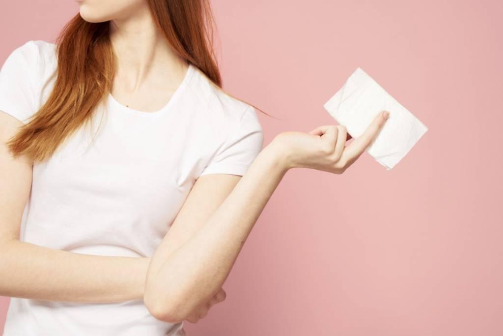 woman with sanitary napkin