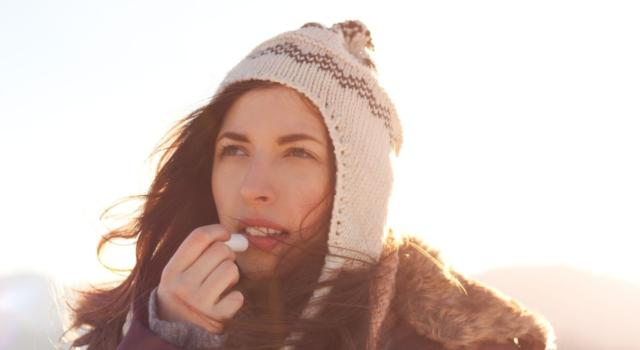 5 precious tips to protect your lips from the cold