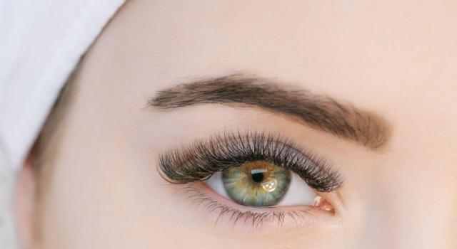 Thick eyebrows: the tricks to have them perfect