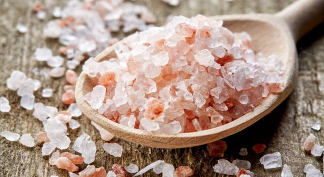 All about hot salt: the ancient do-it-yourself remedy handed down by grandmothers