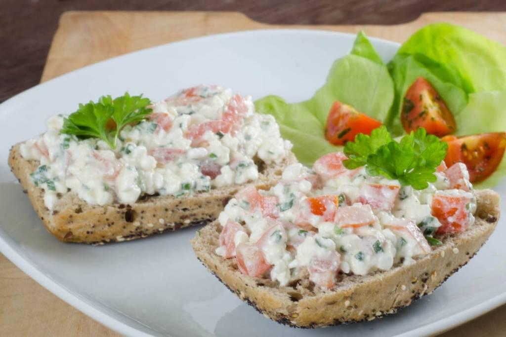 Russian salad bread