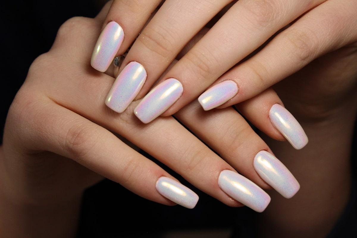Gel nails reconstruction