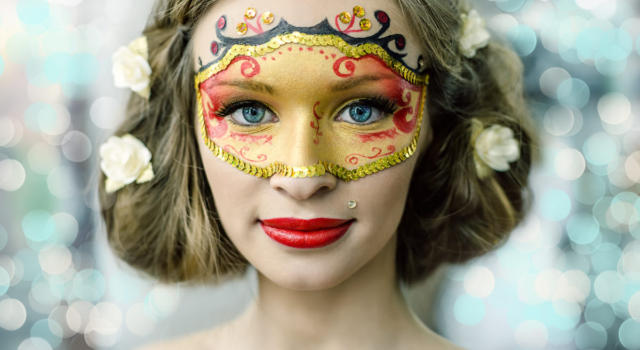Carnival makeup: ideas and tips for eyes and face