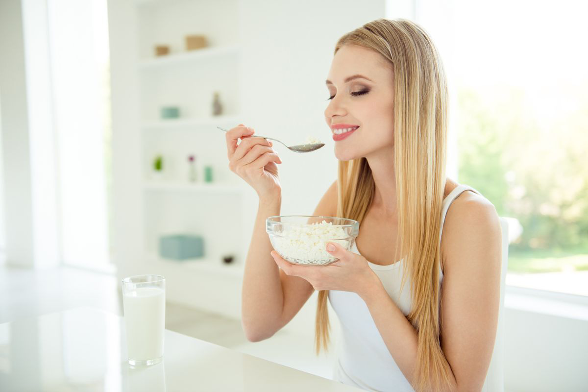 girl with yogurt