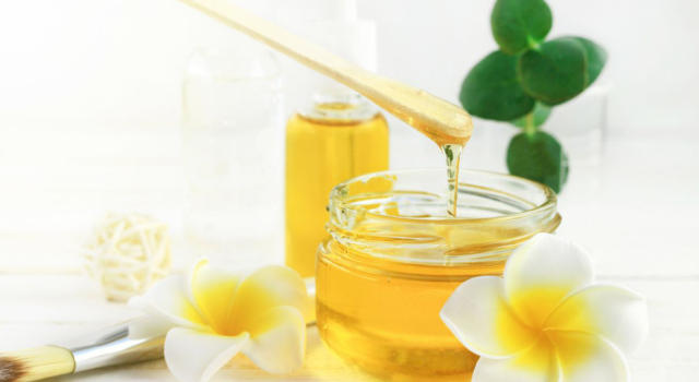 Honey face mask: what it is for and how to make it