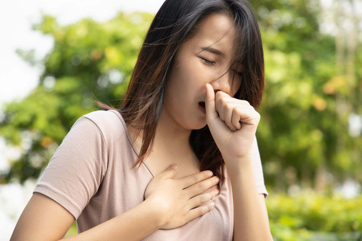 Burning in the sternum and cough