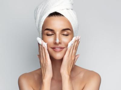 Facial exfoliator: what it is for and how to use it