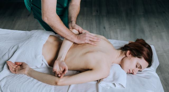 Massage therapy: find out what it is, what it is for and how it works
