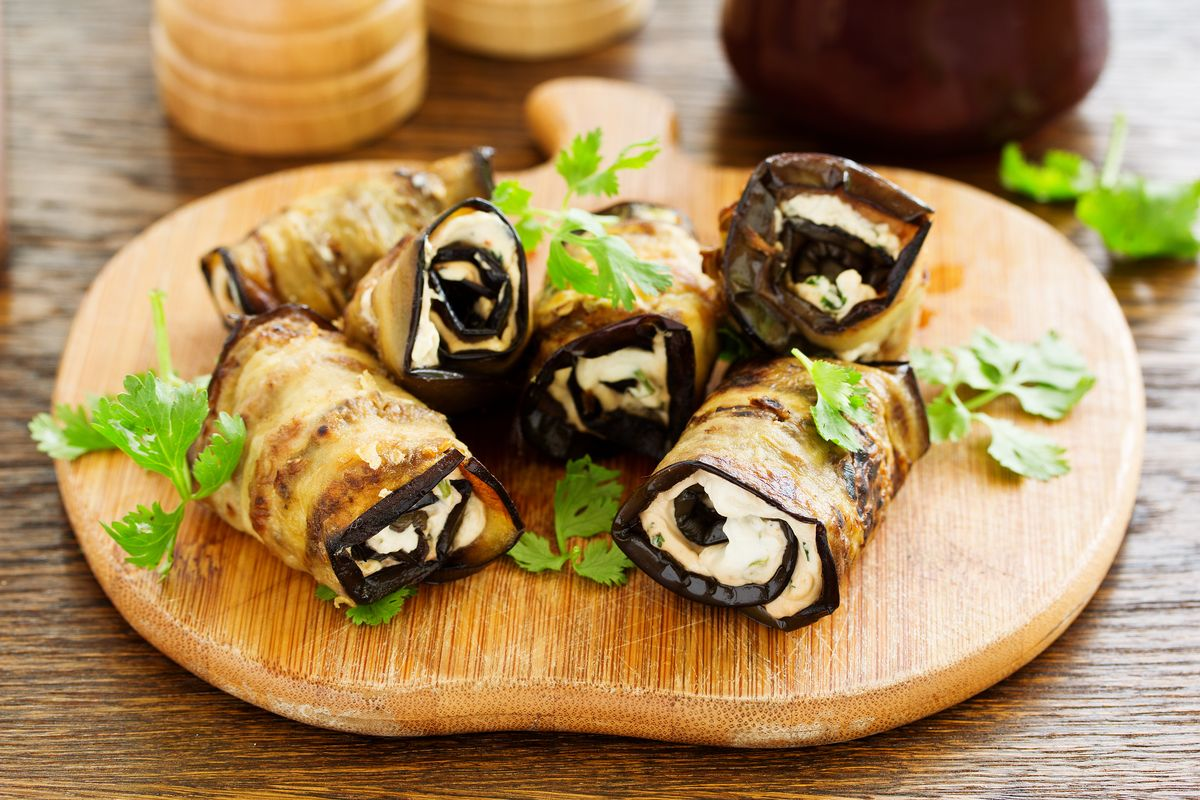 Eggplant rolls with fake Russian salad