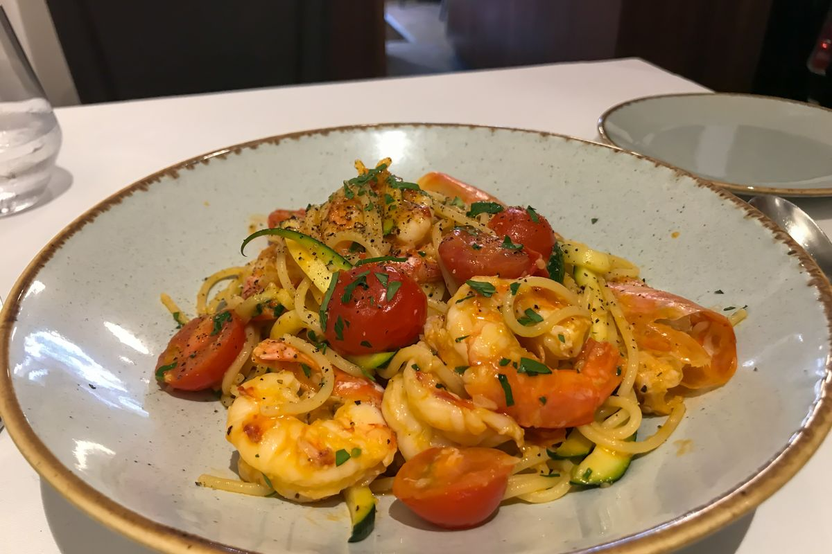 Linguine with scampi and courgette pesto