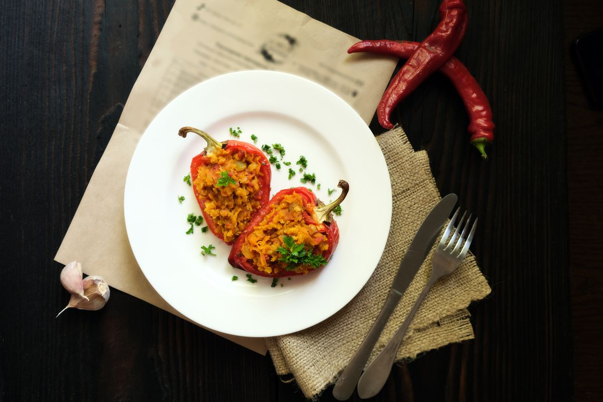 vegetarian stuffed peppers with lentils