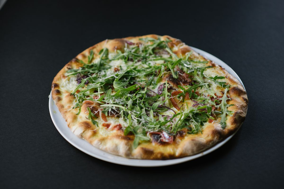 Vegetable pizza by Carlo Oliva