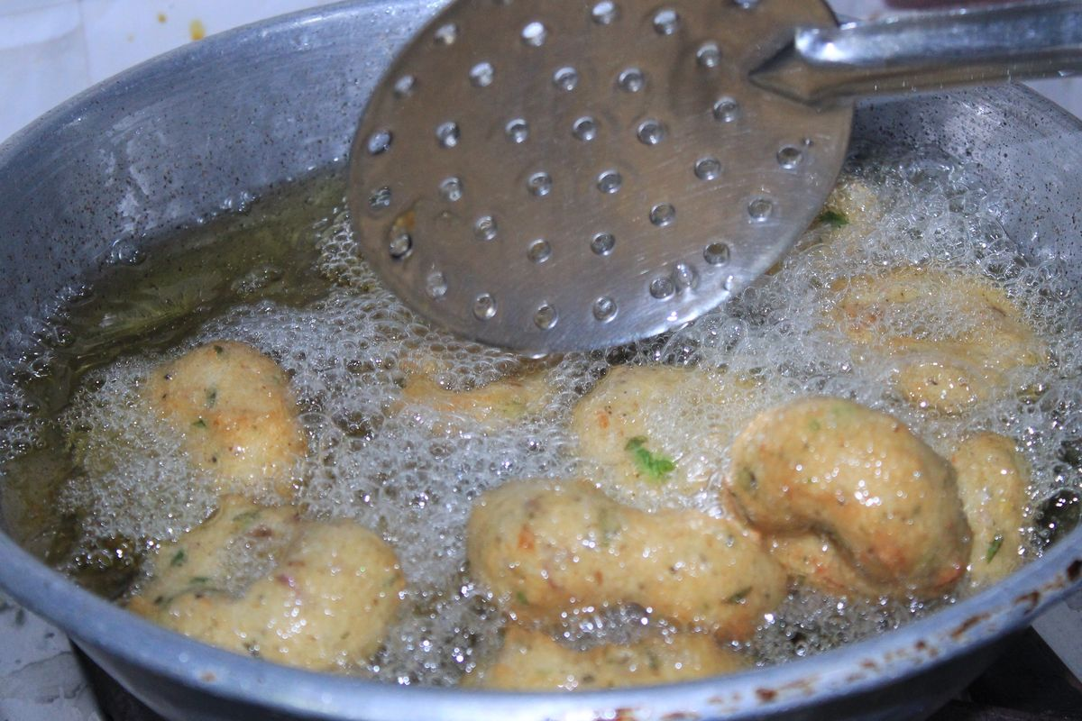 Fried zucchini bomblets