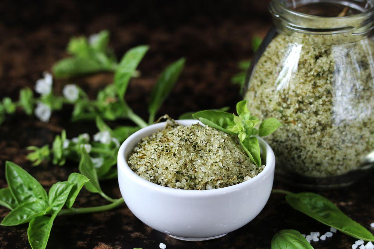 Salt with basil